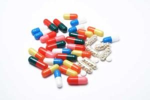 Создание медикаментозных средств, действующих не на организм человека, а на возбудителя болезни